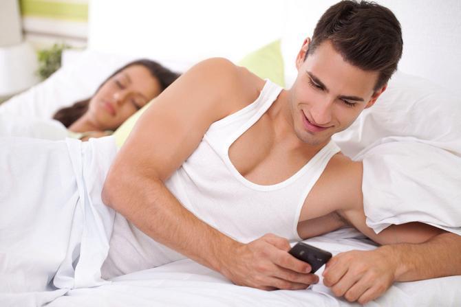 Почему мужчины изменяют своим женам но не уходят от них и что делать в такой ситуации