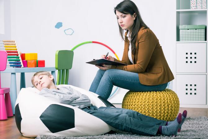 Разговор детского психолога с ребенком