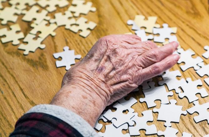 Отличие болезни альцгеймера от старческого маразма