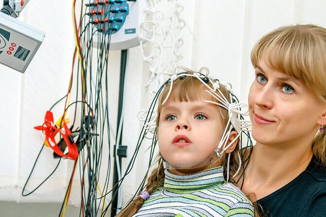 Проведение электроэнцефалографии ребенку
